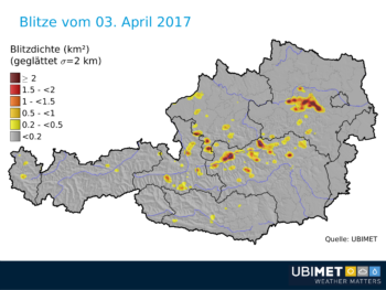Blitze in Österreich Montag, 04. April 2017