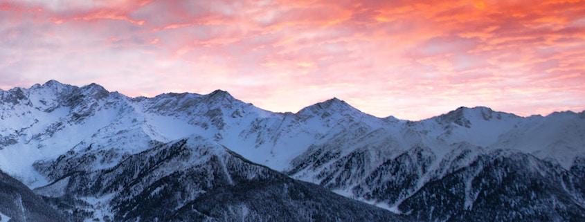Der Alpenraum liegt unter dem Einfluss eines Tiefs mit Kern über Westeuropa