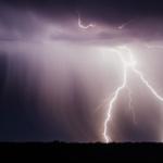 447746 Blitze zuckten im Juni 2018 vom Himmel