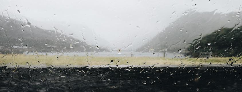 Kaltfront bringt besonders im Bergland und im Süden kräftigen Regen